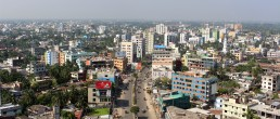 Khulna mixed commercial area along KDA Avenue. Credit: Irfan Shakil, Khulna University
