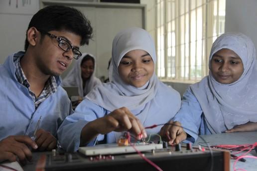Education and technology skills, Bangladesh. Credit: DFID/Ricci Coughlan