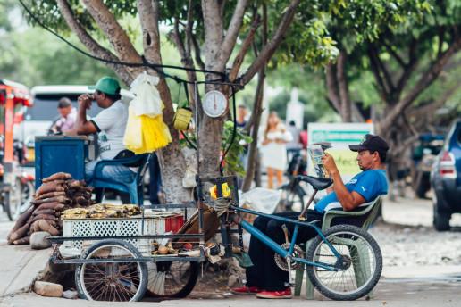 Streetside plantain vendor, Colombia. Credit: Flickr Adam Cohn
