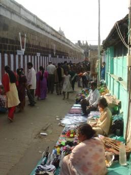 The (extra)ordinary street market in Chennai, India. Credit: Lakshmi Priya Rajendran.